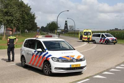 Motorrijdster onderuit op Diamantstraat in Hengelo, met spoed naar ziekenhuis gebracht