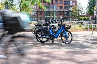 Al gespot? De blauwe e-bikes van Bondi zijn nu ook in Enschede te huur