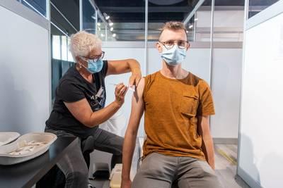 Meer vaccinaties in Twente na invoering coronapas: 'Het voelt als dwang'